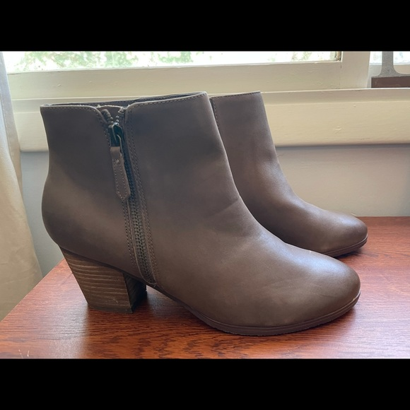 Crown Vintage Leather Ankle Boot